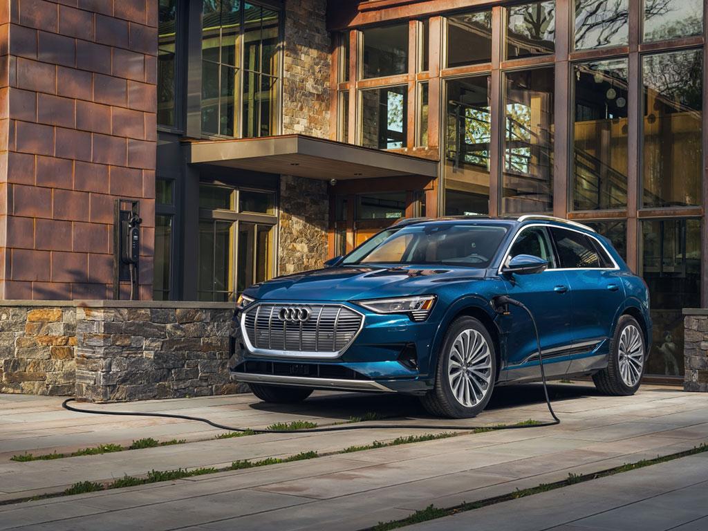 Цены на электромобили в Украине - Audi E-tron